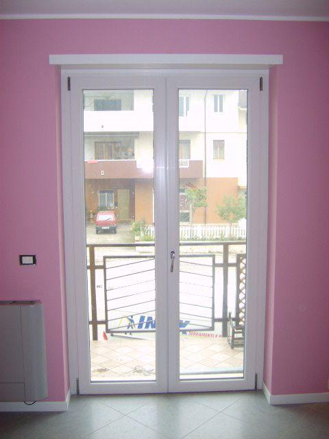 Infissi bianchi free infissi bianchi e tonietti serramenti ed infissi alluminio cavo with - Finestre pvc bianche ...