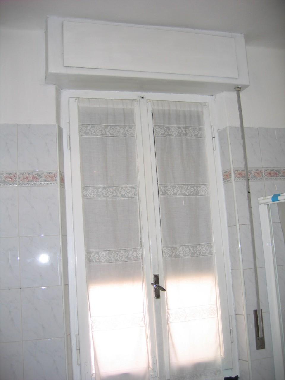 Serramenti in pvc con cassonetti a soffitto infix for Tapparelle in legno leroy merlin