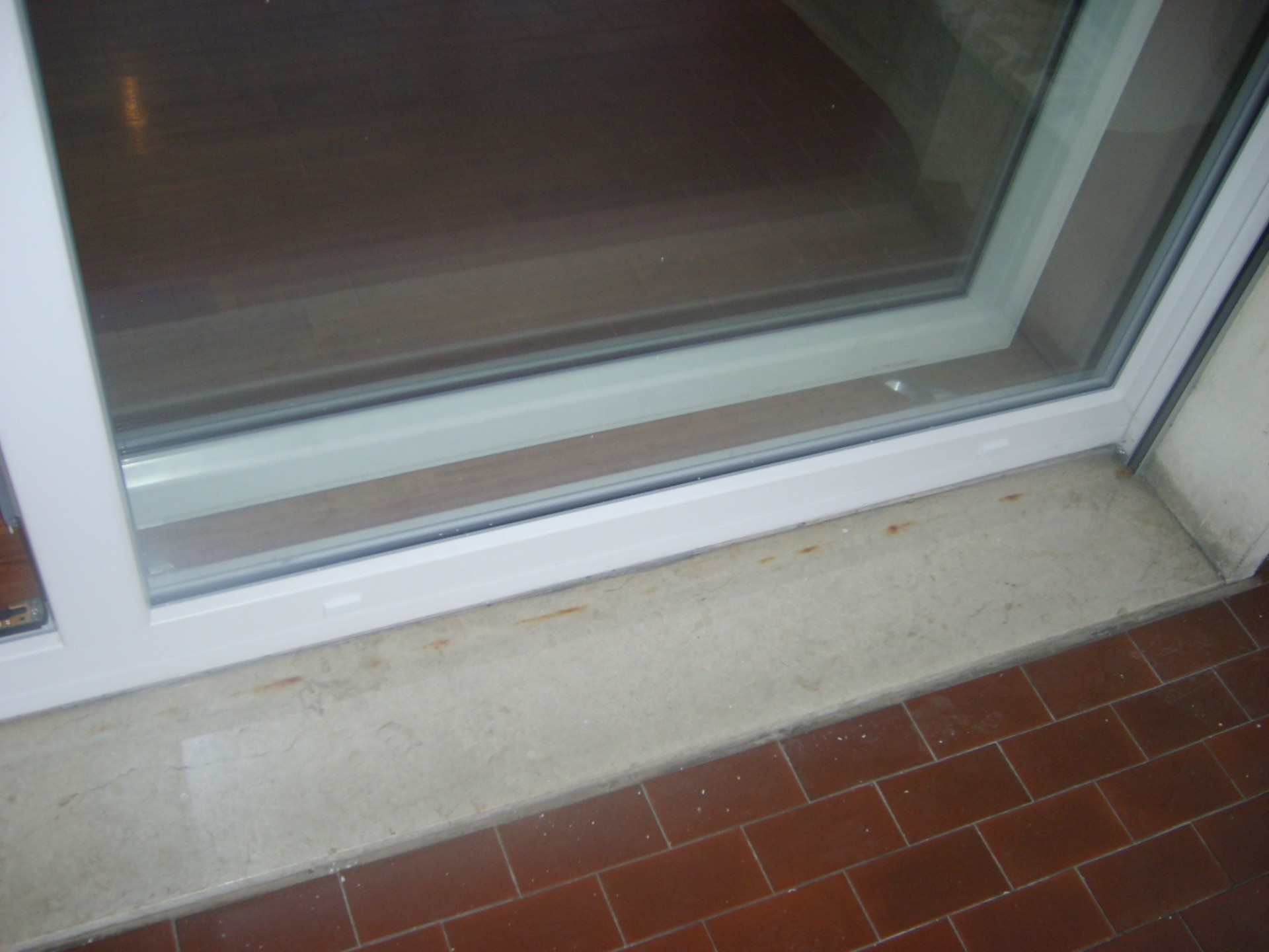 Veranda esterna in pvc bianco infix - Porta finestra scorrevole esterna ...