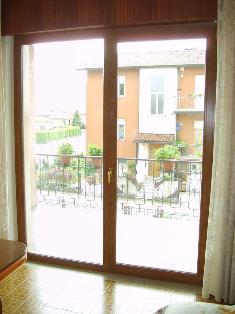 Serramenti in pvc golden oak triplice vetro infix - Porta finestra misure ...