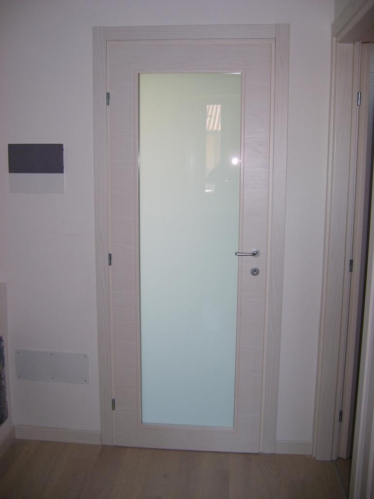 Serramenti in legno abete sbiancato infix - Vetro porta interna ...