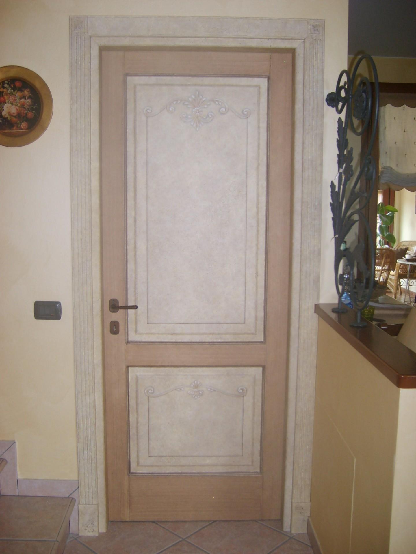 Porte interne in legno fughe massello pantografato - Porte decorate antiche ...