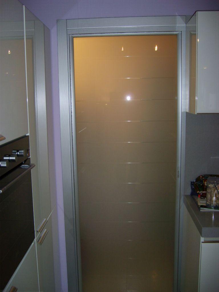 Porta scorrevole in cristallo per casa infix - Porta in cristallo scorrevole ...