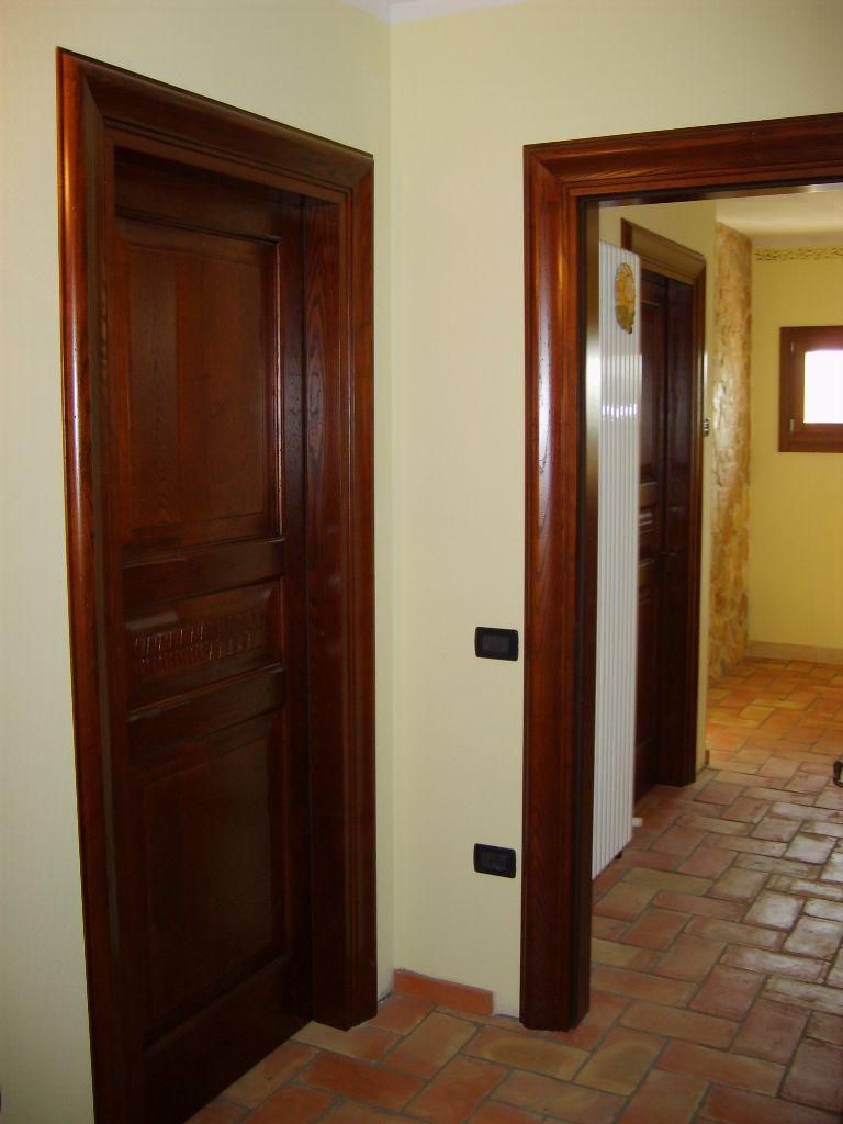 Porta interna in legno castagno modello botticelli infix for Porte dinterni