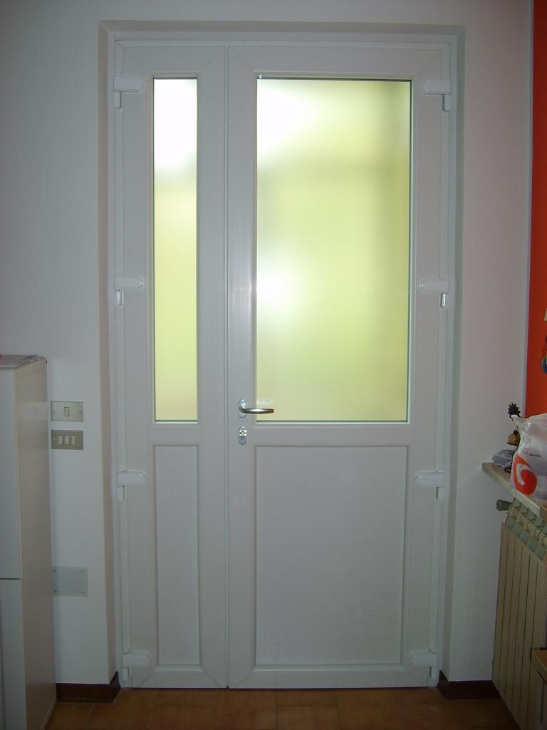 Porte e portoncini di ingresso in pvc infix for Porte e porte