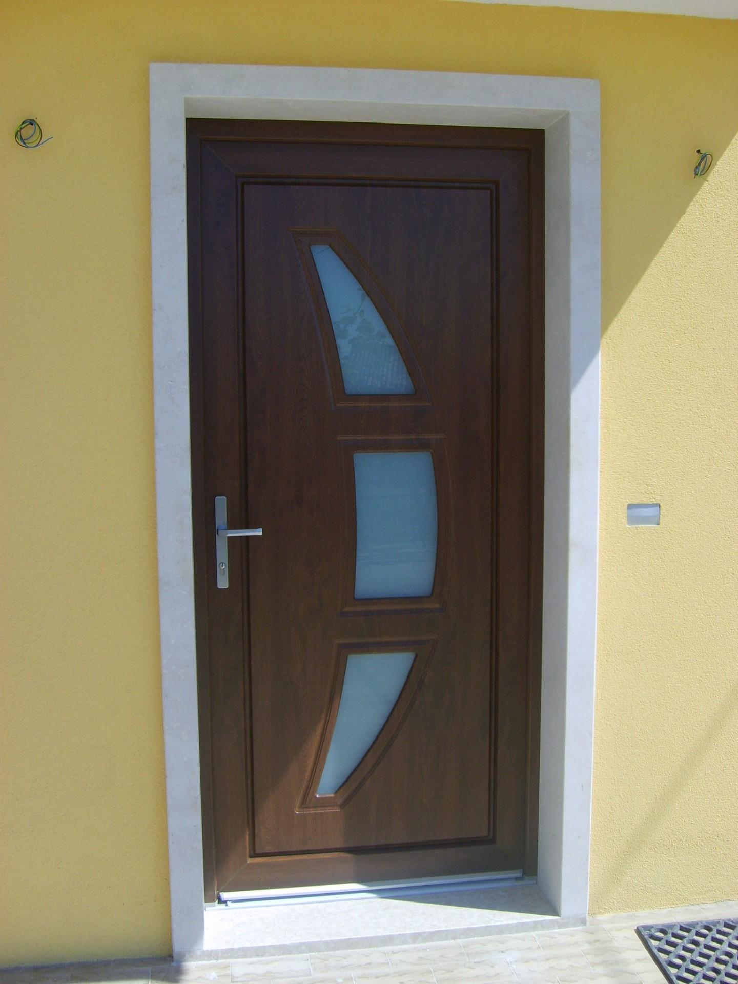 Serramenti e portoncino in pvc infix for Infix serramenti e porte