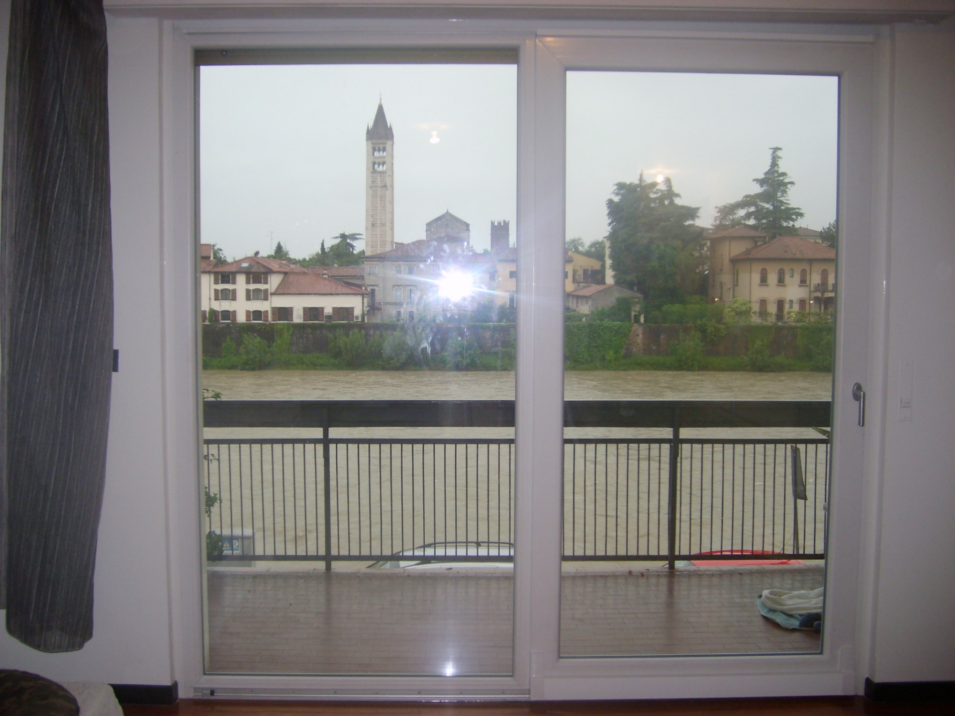 Serramento scorrevole traslante infix - Ferramenta per finestre scorrevoli ...