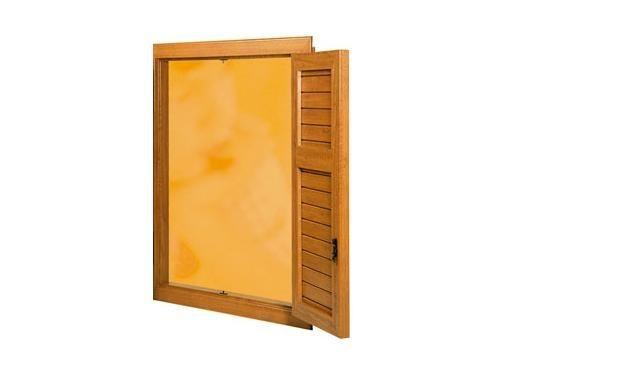 Persiana scuro in pvc o legno modello intelaiata a doghe for Infix serramenti e porte