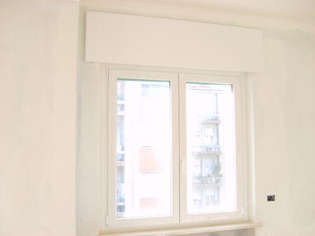 finestre_e_cassonetti_bianchi_1473.jpg