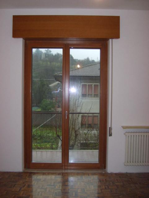 Installazione serramenti in legno alluminio con triplice vetro