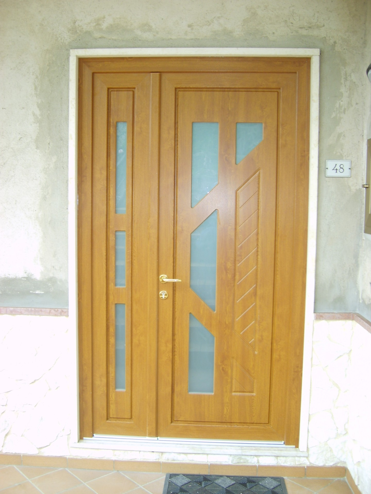 Porte e portoncini di ingresso in pvc infix for Infix serramenti e porte